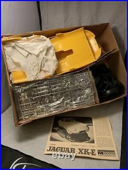 1976 Vintage MONOGRAM 1/8 Scale JAGUAR XKE Model Kit Car 2601- FREE SHIP! RARE