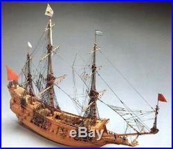 Mantua Models La Couronne Wooden Ship Kit 198 Scale Model