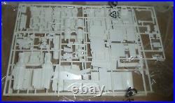 REVELL 7541 PETERBILT TRI-AXLE WRECKER TRUCK CAN-DO KIT 1/25 McM Free Shipping