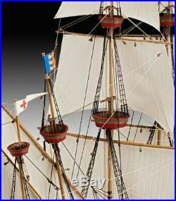 Revell Germany 5429 English Man O'War Sailing Ship plastic model kit 1/96